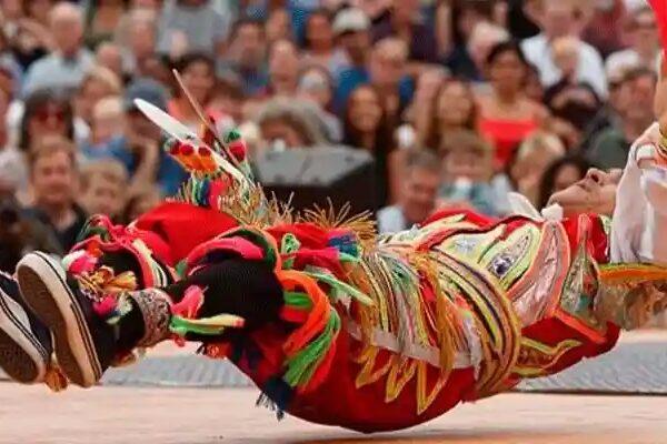 Danza de las tijeras, la mejor danza del mundo